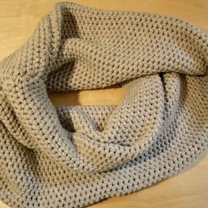 Forever 21 cream tan knit infinity scarf